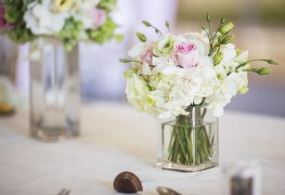 Picking out the best flower vases for your home decor