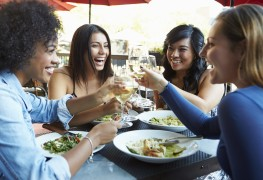 4 helpful restaurant tips for food allergy sufferers