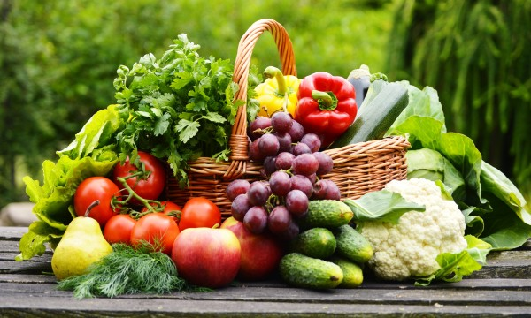 Practical ways to reduce your exposure to food chemicals
