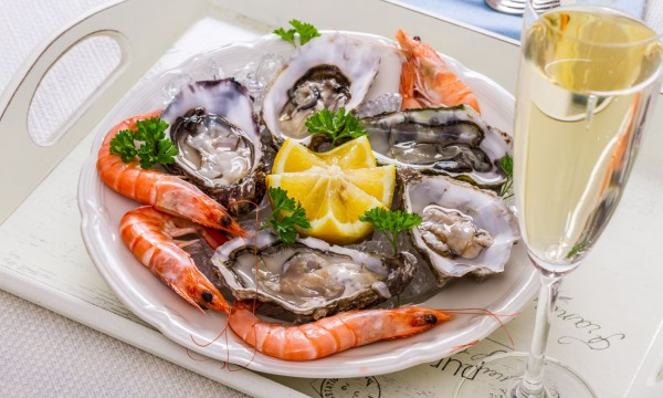 4 wines that pair perfectly with seafood