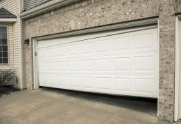 Troubleshooting your garage door: 5 common problems
