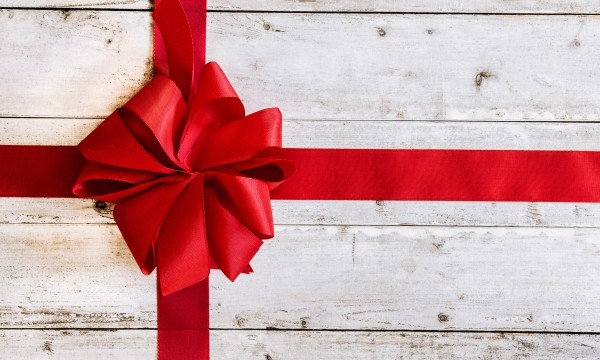 4 Holiday Gift Wrapping Ideas For Extra Large Gifts Smart Tips
