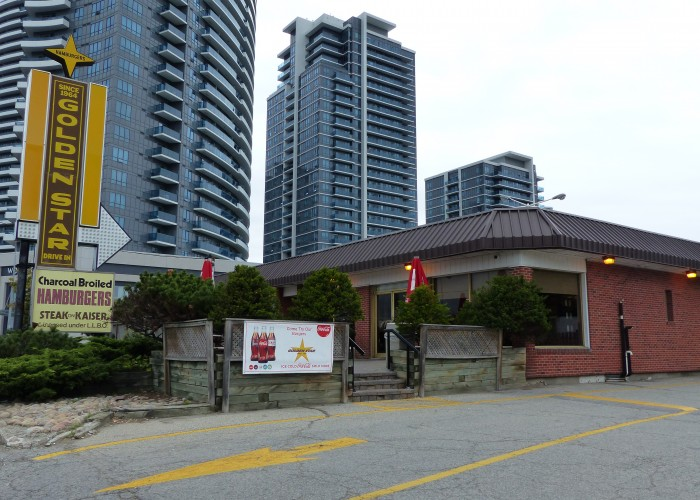 Golden Star Burger is located in Thornhill.