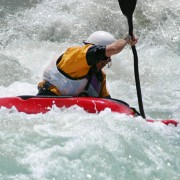 6 tips to keep you safe in a kayaking emergency