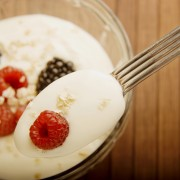 4 easy steps to making your own yogurt