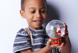 Mini snow globes: 3 steps to making a fun DIY Christmas decoration