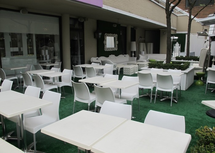 MoRoCo Chocolat, Lunch, brunch, dinner, cocktails, chocolates, afternoon tea, macarons, desserts