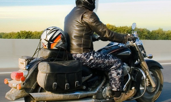 4 tips to protect your safety while riding a motorcycle