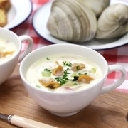 2 deliciously authentic clam chowder recipes