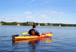 Relax and lose yourself in a kayak