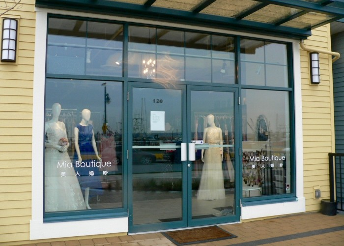 Mia Boutique is located in a gorgeous waterfront location in Steveston Village.