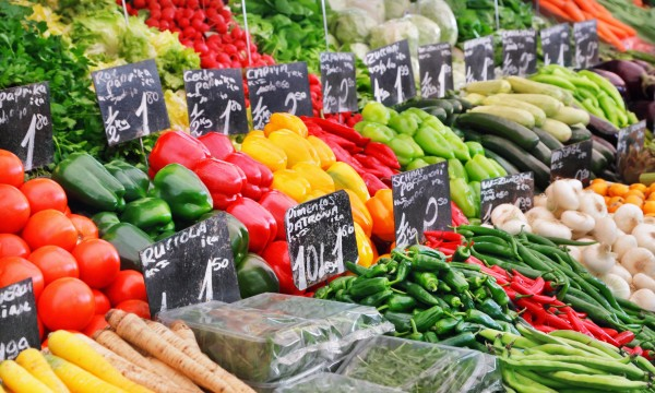 Practical tips for buying organic food on a budget