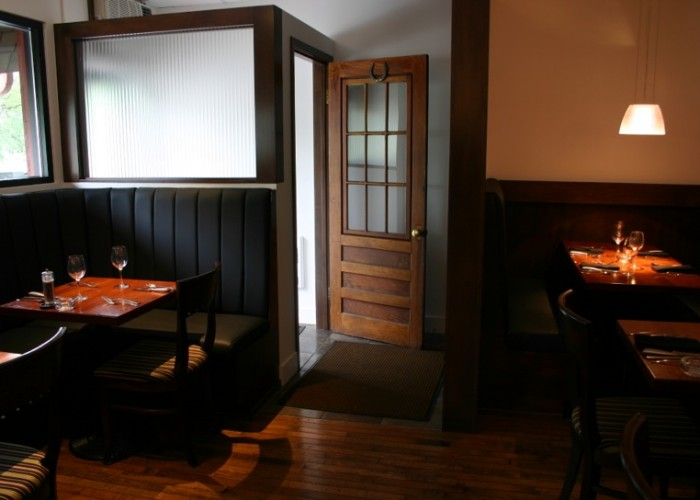 Red Ox Inn, Fine dining, wine, dinner service