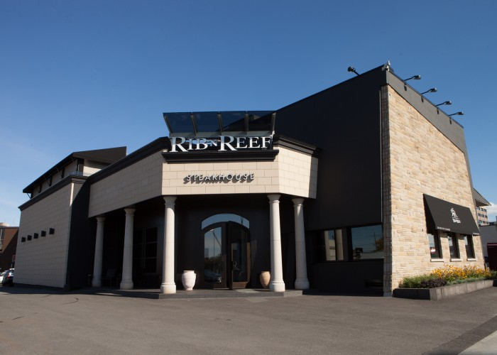 Rib'N Reef Steakhouse provides attentive service, from the valet who parks your car to the staff who tends to you through the evening.