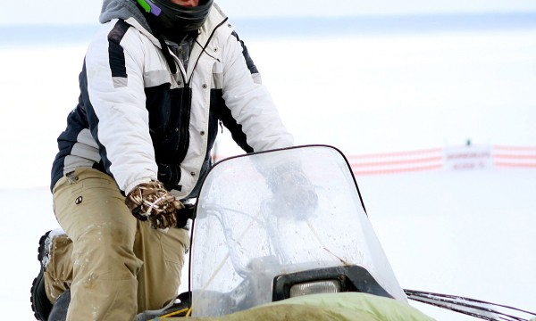 How to tell if a snowmobile helmet will actually protect you