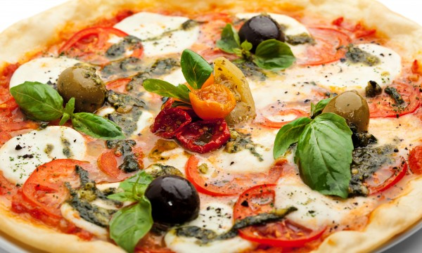 3 healthy spinach pizza options to make for dinner tonight