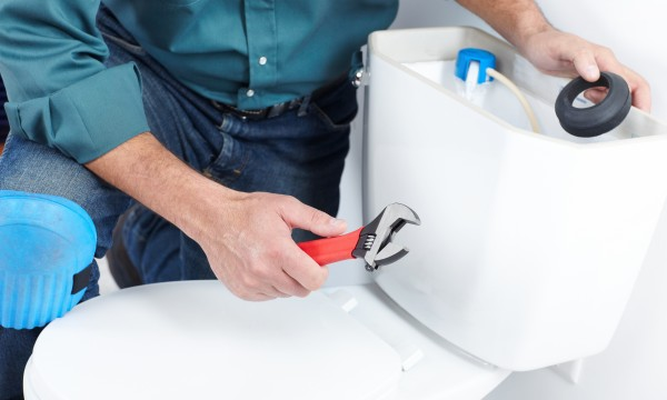 How to install a toilet in a single afternoon