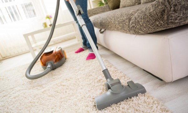 4 easy ways to eliminate vacuum cleaner odours