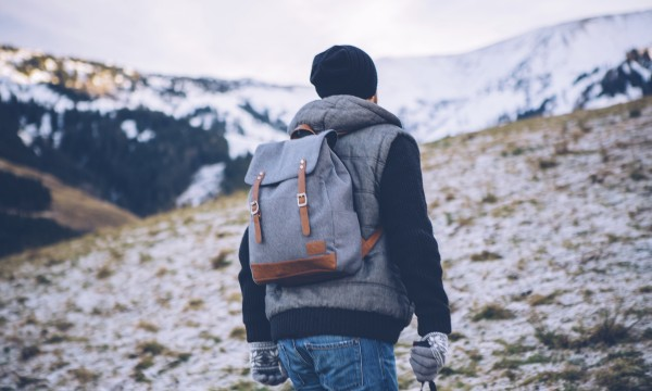 10 safety tips for winter hiking