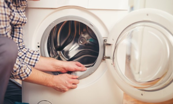 4 possible reasons your washing machine makes banging noises | Smart