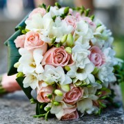 Make the perfect wedding bouquet holders