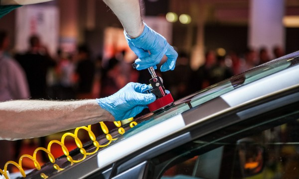5 ways to lower your windshield repair costs