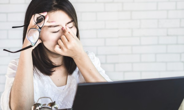 How to protect your eyes from too much screen time