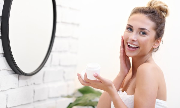 How to protect and repair dry winter skin