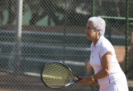 Keeping arthritis in check while playing tennis