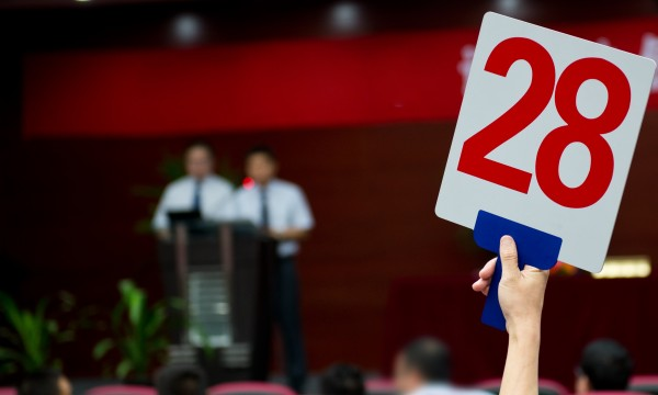 4 ways to get the best deals out of an auction