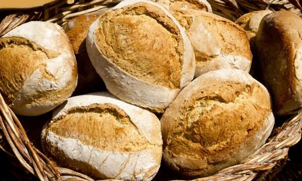 Sandwich saver: golden autumn bread