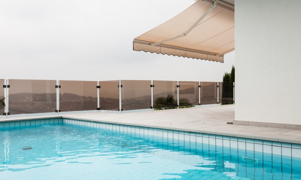 5 benefits of retractable awnings