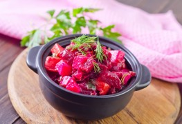 2 delicious salads to vary your meals