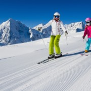 Ski instructor certification: how to become a teacher