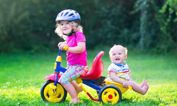 Toys For Toddlers Learning To Walk : Using riding toys to help your toddlers learn walk