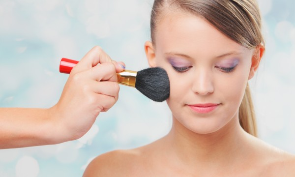 Timely tips to clean hair and make-up brushes