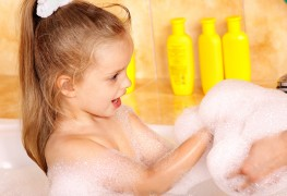 4 natural homemade bath products for glowing skin
