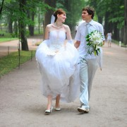Thrifty ideas for getting married on a teeny-tiny budget