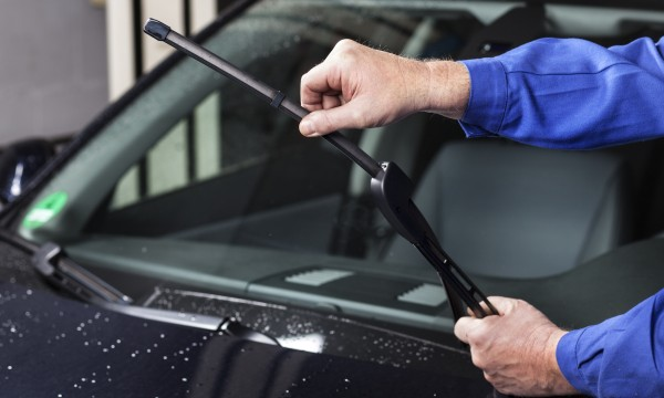 How to pick the best wiper blades for your car