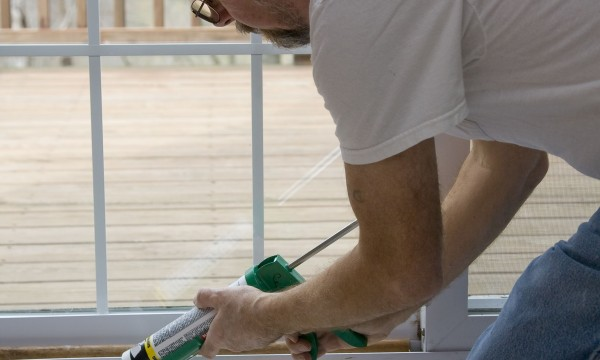 6 tips for caulking your home