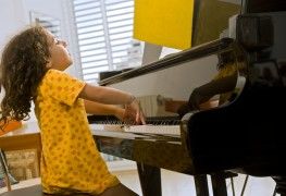 4 tips on buying a child's musical instrument