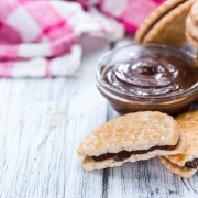 How to make blondies and chocolate sandwich cookies at home