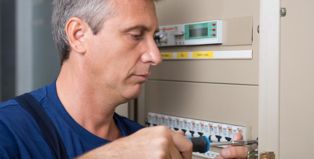 Tips for circuit breaker maintenance