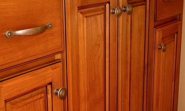 Tried-and-true tips to clean your kitchen cabinets