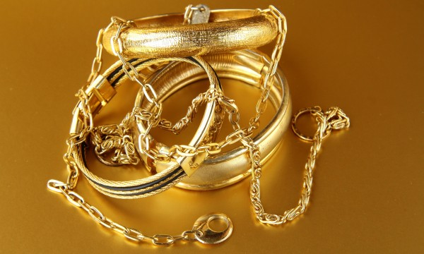 5 tips for cleaning glorious gold