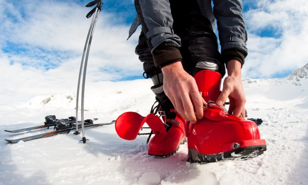 How to avoid common injuries caused by ski boots