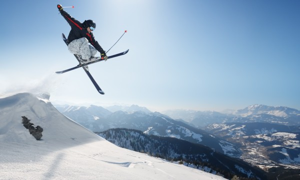 How to avoid common ski jumping injuries