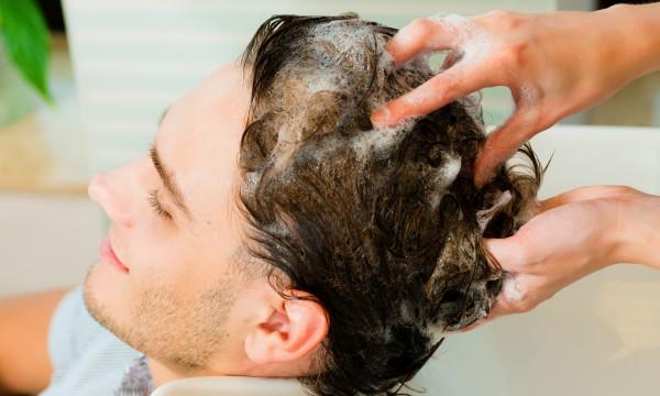 5 natural DIY dandruff treatments