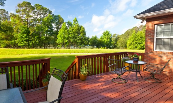 3 things you should know about cleaning your porch or deck to make it last