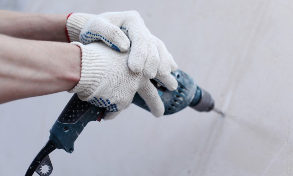 4 steps for patching drywall